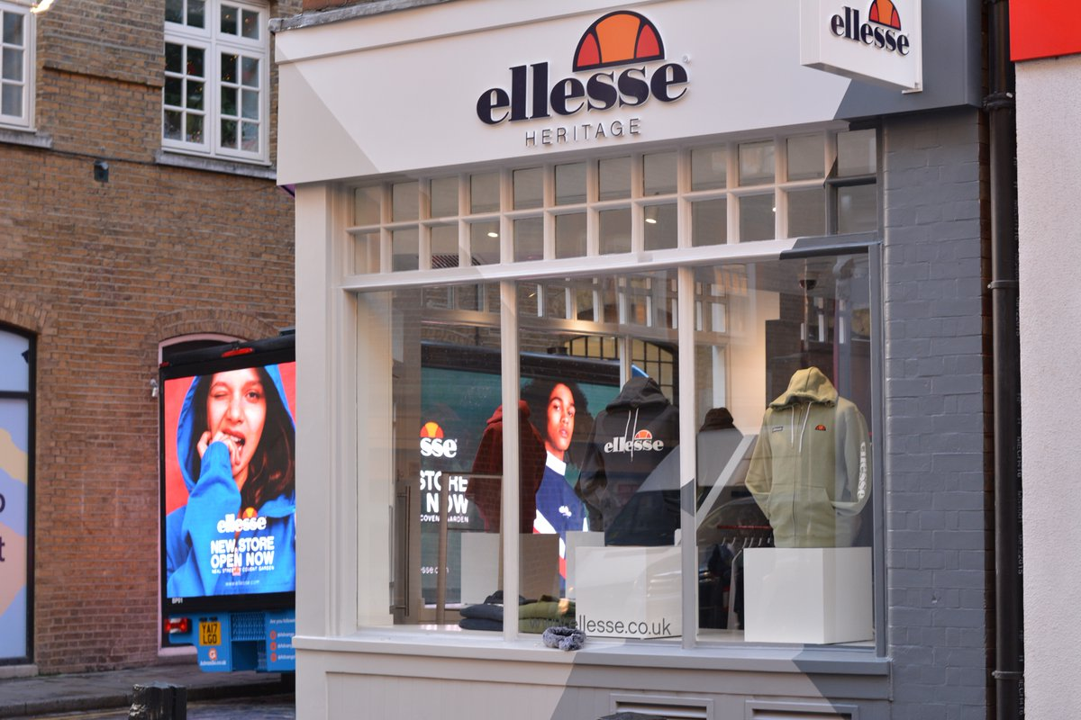 AdVanGo OOH Yes Ellesse